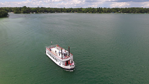 Clear Water Harbor, Lake tours, Chain O' Lakes, Waupaca, Chief Waupaca, Boat tours, sightseeing, waterfront dining